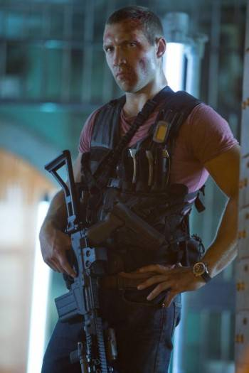McClain hijo (Jai Courtney)