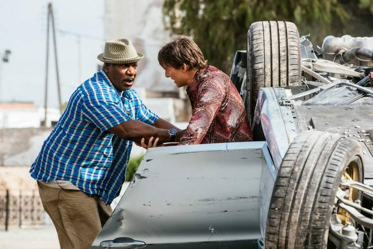 Ving Rhames es Luther Stickell y Tom Cruise como Ethan Hunt